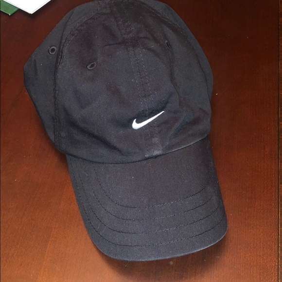 7c82464fcc4 Nike Women s Hat. M 5c1bab5e04e33d3770d20c6a. Other Accessories ...